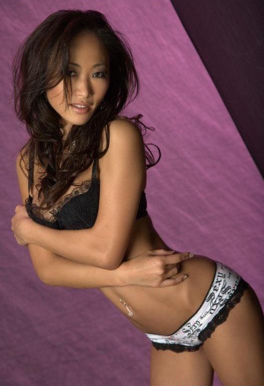 100 imagenes de chicas desnudas y semi desnuda.....